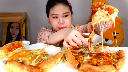 韩国美女吃播:两个巨型披萨+奶酪,看这吃法真是馋死人了!
