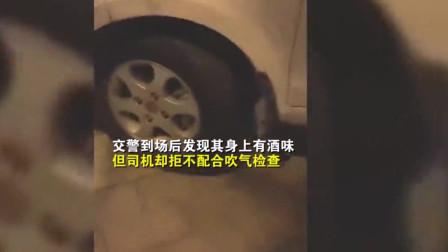 面包车急刹致后车追尾,司机竟在车内呼呼大睡