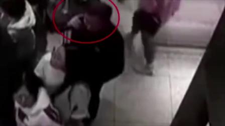 苏州男子奶茶店猥亵女孩监控视频拍下全过程!