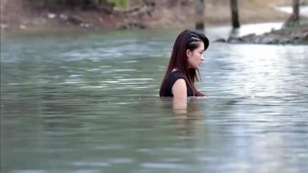 如果我爱你:明道以为李沁要自杀,直接跳水救她,结果人家在拍戏