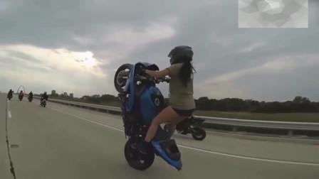 机车摩托:现在的女司机都这么厉害吗?老司机见了都要让路!
