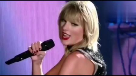 三年前这首歌被评为最好听的25首歌之一,现场美哭了