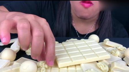 吃播大胃王:小姐姐一个人吃一桌子的白巧克力,不怕会长胖吗?