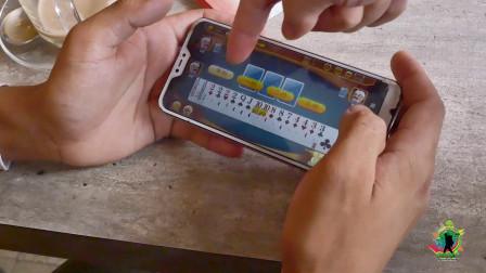 尼泊尔小哥玩斗地主,水平怎么样?越来越多的外国人用中国软件