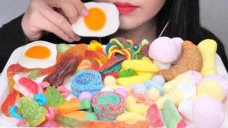 吃播小姐姐:咀嚼音吃播,甜品大拼盘,蛋黄软糖,冰激凌,彩虹糖