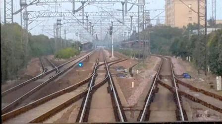 车尾视角看火车变轨过程 上海南至荆门K253次列车驶出海宁站