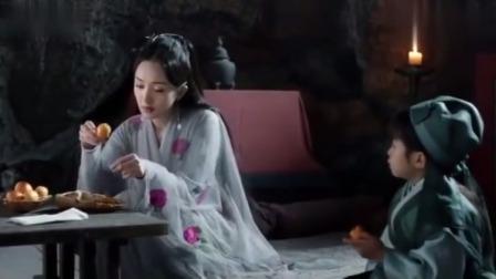三生三世:阿离跟着娘只能吃野果,跟爹能吃肉,看把孩子委屈的