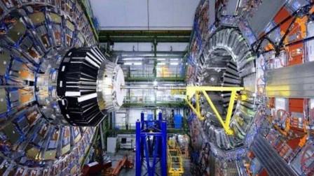 杨振宁反对造对撞机?1400亿的巨大工程,规模超几十个大型项目