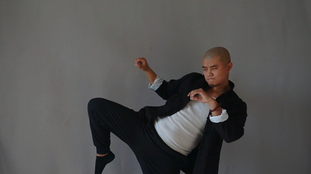 用膝攻击不比拳头短,而且更加有杀伤力,前提要会这个动作