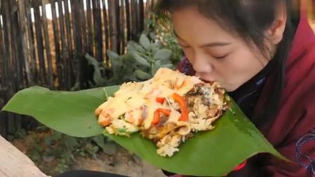 美食:自制土豆披萨,看起来简单,姑娘忙了2小时,岂料意外翻车了