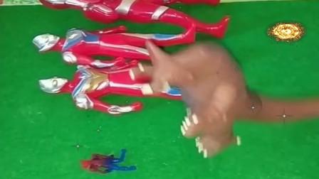 益智少儿亲子玩具:哥莫拉的变小法术不好使了,原来是你们放学357