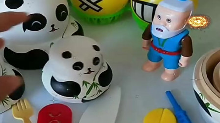 益智少儿亲子玩具:大熊猫肚子疼,老爷爷给他怎么治好的呢737