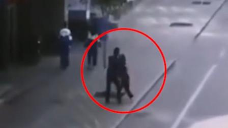 甘肃一男子光天化日下侵扰女学生 警方称已抓获
