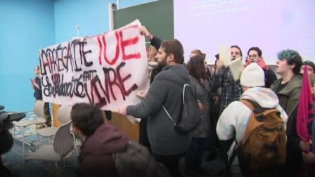 法国学生自焚引发暴力抗议活动,法官员:暴力在大学没有立足之地