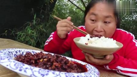 胖妹美食:胖妹做香辣牛肉酱,麻辣鲜香,好吃又解馋,就是这酱太费米饭了