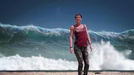 女孩一觉醒来,发现海啸已经到来,几十米巨浪她能否逃离?