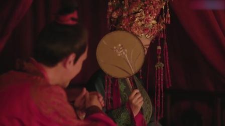 知否:新婚之夜,明兰害羞遮挡,侯爷:装什么装,你啥样我没见过