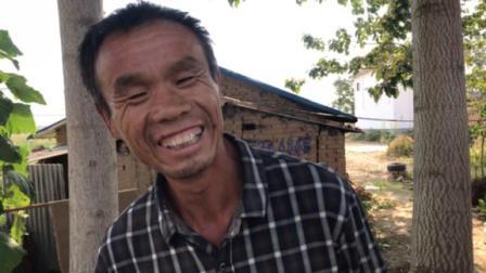 农村流浪汉,十里八里的百事通,吹拉弹唱没有他不会的