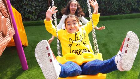萌宝益智玩具:小萝莉和姐姐游乐园玩耍!在游乐园一定要注意这个