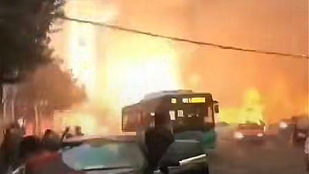 高清清晨突发!蚌埠门店爆炸起火,滚滚浓烟包裹大楼1人跳楼求生