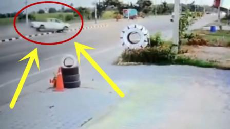 假如不是监控拍下,谁会知道皮卡车发生了什么?