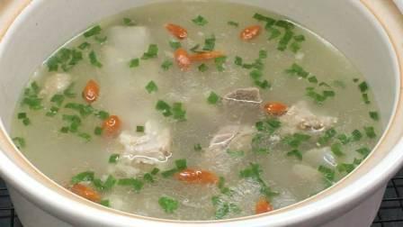 教你排骨汤的正确做法 汤汁清澈不肥腻 猪肉再贵也要炖给家人喝