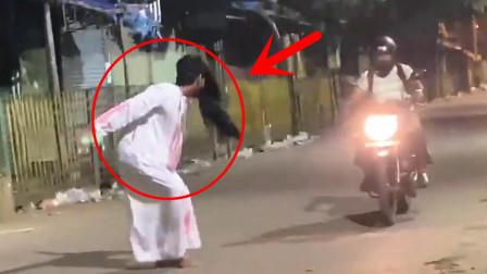一群年轻人为了拍视频,扮鬼恶作剧吓唬路人,结果全被抓了!