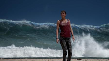 劫后余生:美女以为安全了,没想到等待她的是海啸