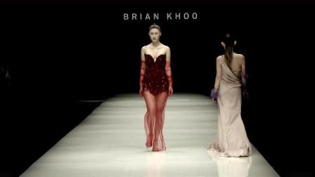 火红的纱裙,尽显模特妖艳无比,魅力全场!