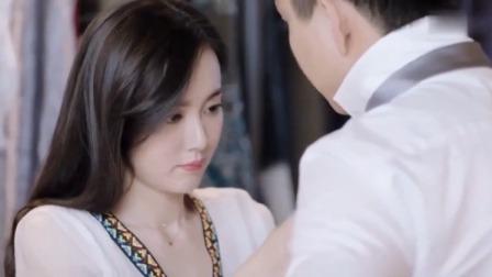 暖爱:霍栀帮江村系领带,怎料江村直勾勾的盯着她,霍栀立马害羞