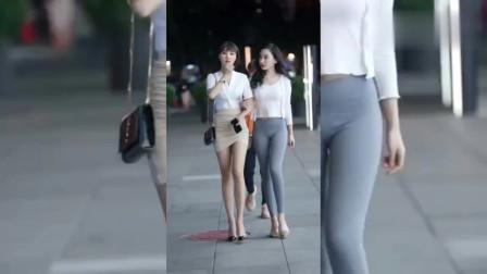 街拍:闺蜜相约去逛街,小哥哥还能这样撩她们!