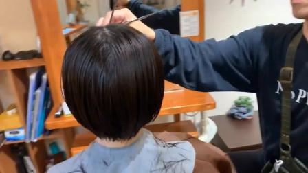"""很有""""感染力""""的短发,留中分就是不一样,知性很有空气感"""