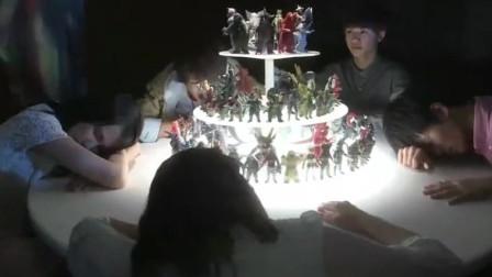 银河奥特曼中的怪兽博士,拥有几百个可以实体化的怪兽模型!