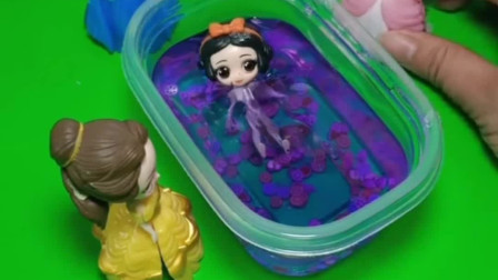 白雪为了救贝儿掉进了水晶泥里,贝儿一点都不觉着愧疚,贝儿做的对吗?