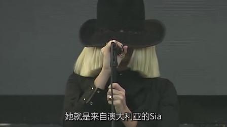 一位唱歌从不露脸的女歌手!却凭歌声征服听众,怪不得能这么火