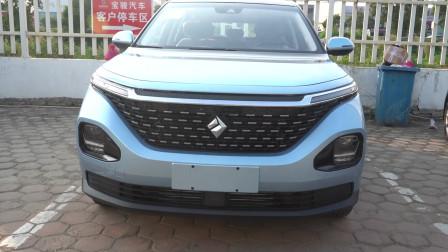 自主品牌MPV,宝骏新出车型,未来感十足,一起来看宝骏RM5