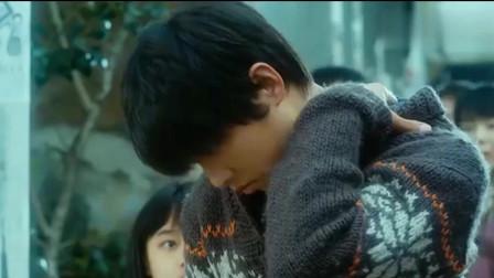 狼少年:少年为救姐妹俩,竟独自抵挡掉落的钢筋,结果却安然无恙
