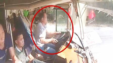 """货车突然撞上来,大巴司机却异常淡定,镜头拍下""""生死瞬间"""""""