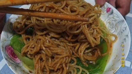 中国十大面食第一的武汉热干面,到底味道怎么样