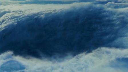 超强风暴袭击美国,三架飞机卷入风暴,不料没多久就坠入雪地