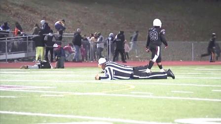 美国一高中橄榄球比赛期间发生枪击事件,现场一片混乱!
