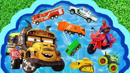 孩子们的玩具早教启蒙认知:校车、直升飞机、警车、消防车、搅拌车、环卫车!