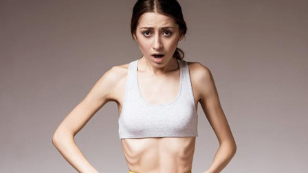 29岁女博士暴瘦,确诊胃癌晚期,医生叹息:1种食物不能当饭吃