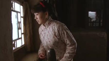 小姨多鹤:二孩从多鹤屋里出来后,就和小环渐渐疏远了