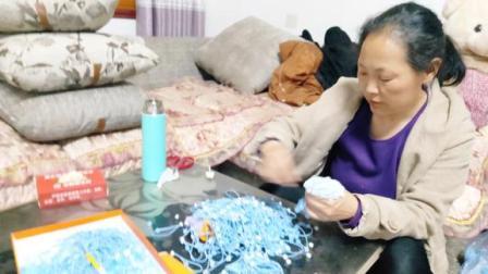 河南农村50岁大姐家里做兼职,半年收入20000多,这样工作你干吗