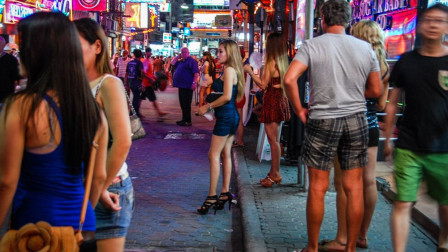 世界上最开放的国家,午夜才开始狂欢,出轨率60%居全球第一