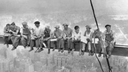 各国为何实行八小时工作制?而且在美国拖欠工人工资,是政府垫付