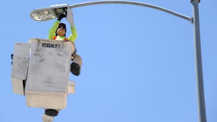 路灯杆制造原理眼来是这样的,怪不得说一跟灯杆能用四十年!
