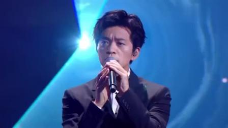 李健演唱《心升明月》深情的歌声,把周杰伦都听入迷了