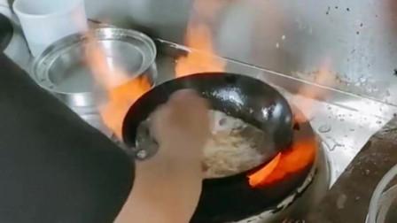 活了几十年,现在才知道,饭店的肉原来不是炒熟的!